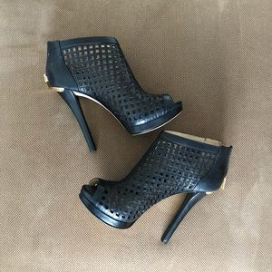 Michael KORS Graham Caged Booties 7.5
